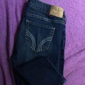 2 hollister jeans